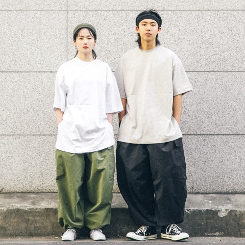 Soft Half T-shirts &  Cargo Balloon Pants
