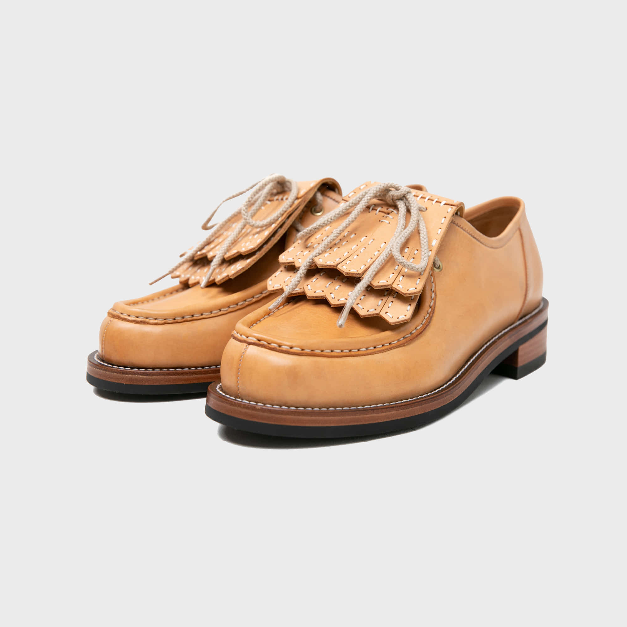 [BILLYS&CO X ANGLAN] Kiltie Tongue Shoes - Natural