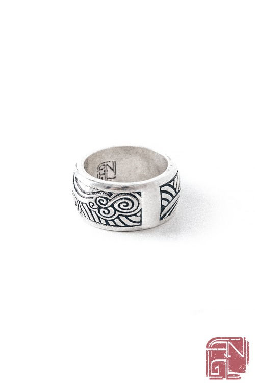 WAVE PATTERN RING