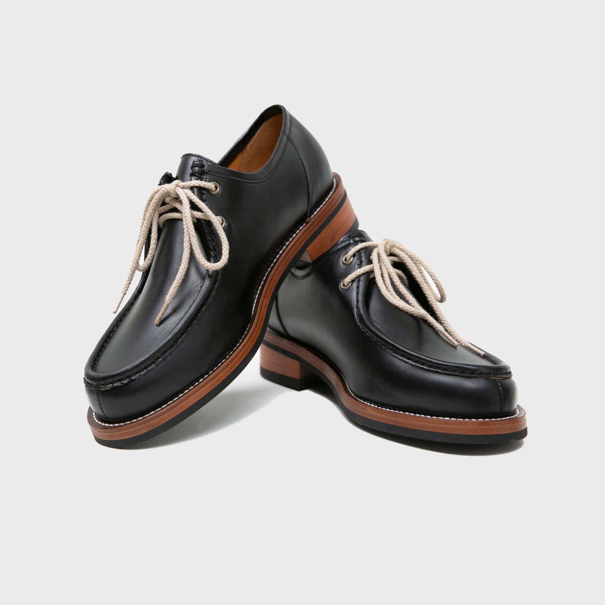 [BILLYS&CO X ANGLAN] Tyrolean Derby Shoes - Black